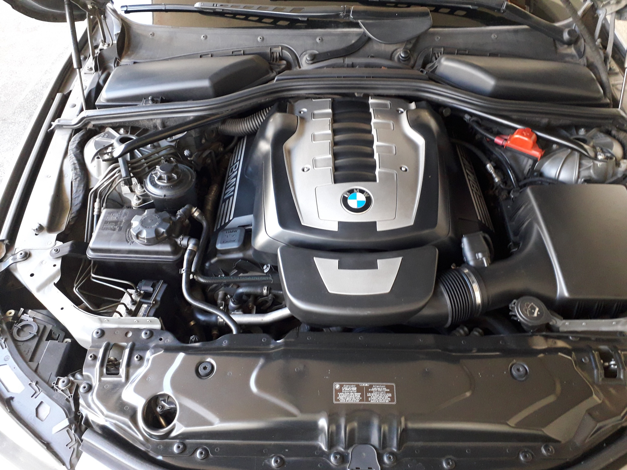BMW 550i AT