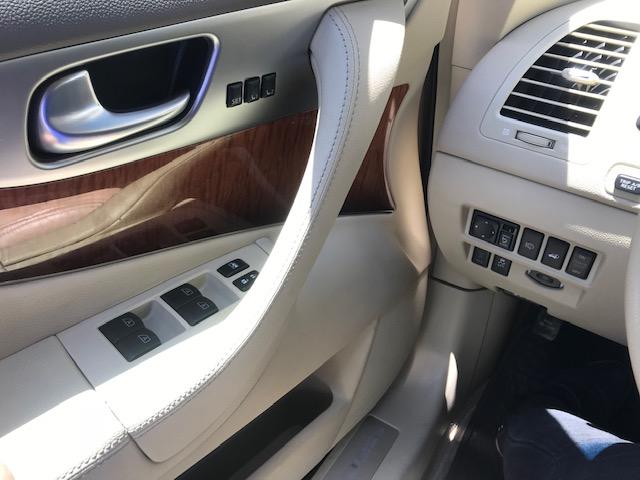 QX70 3.7 PREMIUM AT AWD